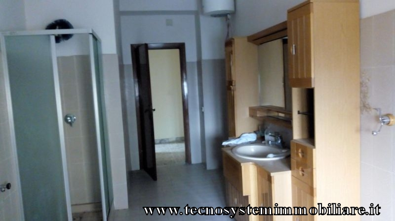 Tecno system immobiliare for Arredare appartamento seminterrato